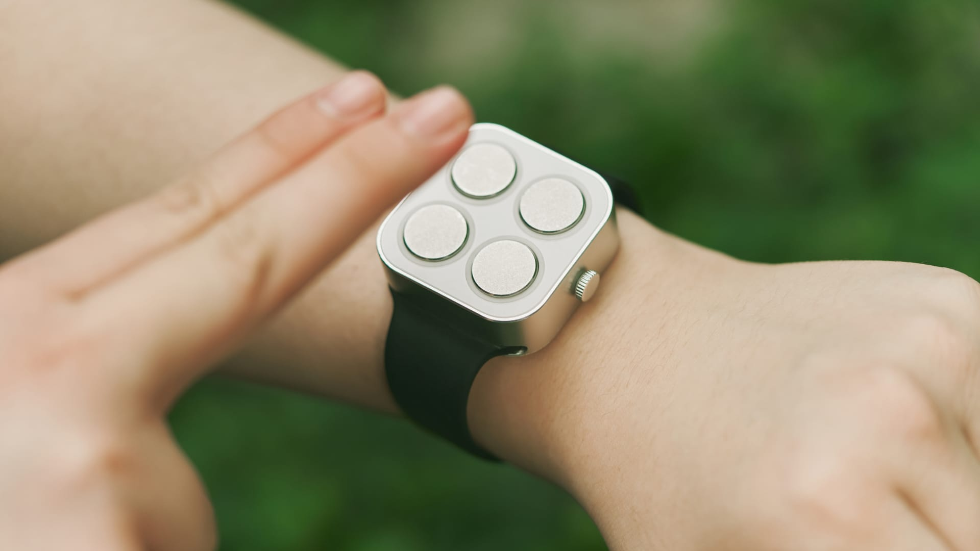 Paradox Computers' braille smartwatches tell time and date by vibration haptic for the visually impaired.