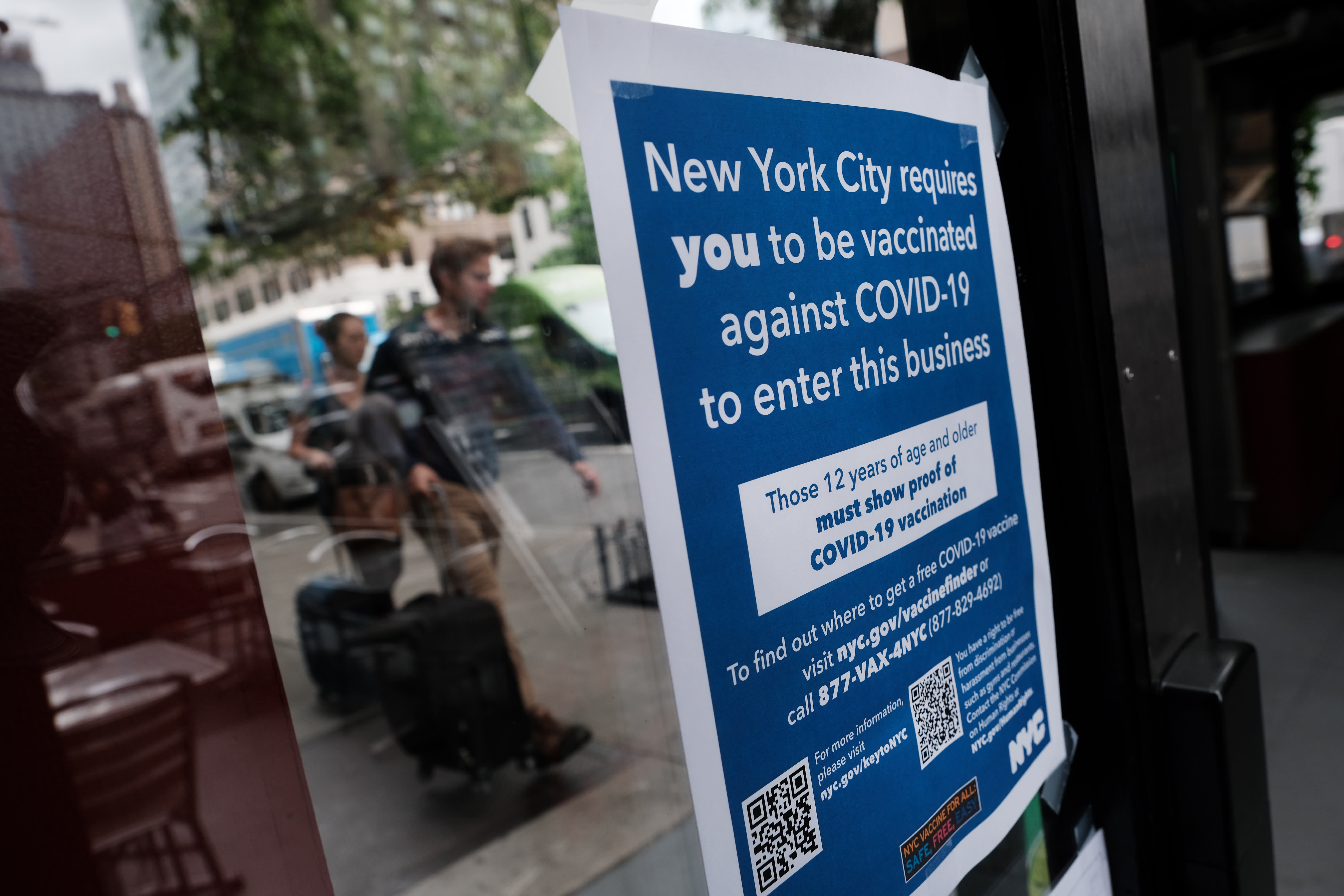 Restaurants grapple with vaccine mandate policies in historically ...