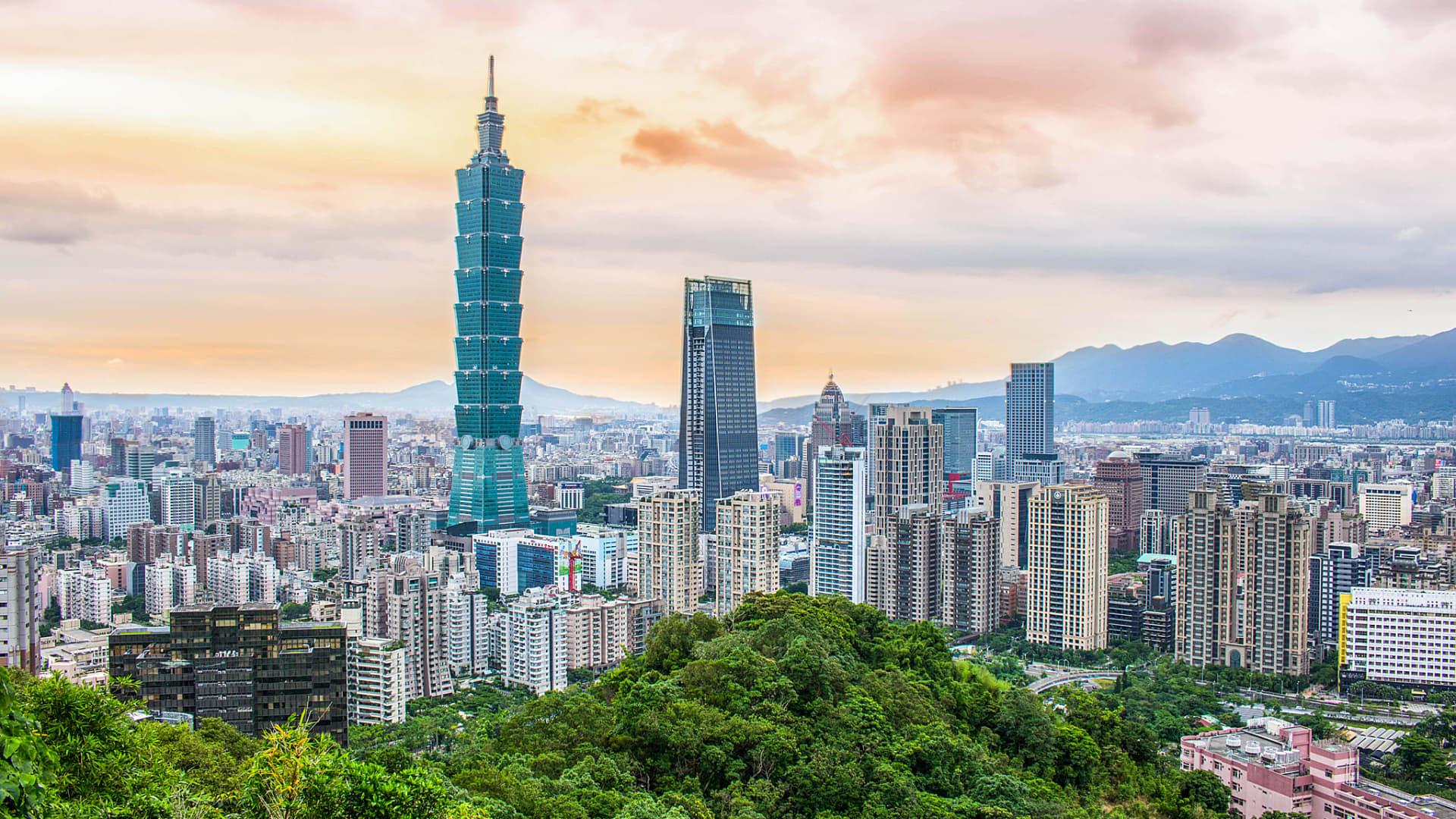 High-rise buildings sprawl out across the Taiwanese capital Taipei.