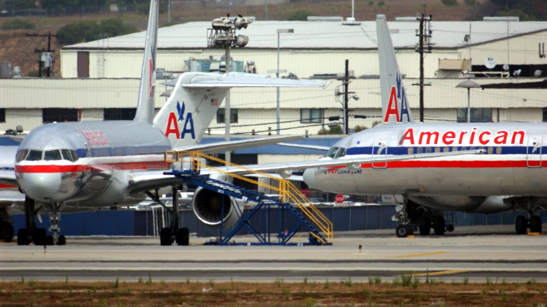 Planes sit on the tarmac at Los Angeles International Airport (LAX), which is closed because of the air attacks on New York and Washington, DC, September 11, 2001, in Los Angeles, CA.