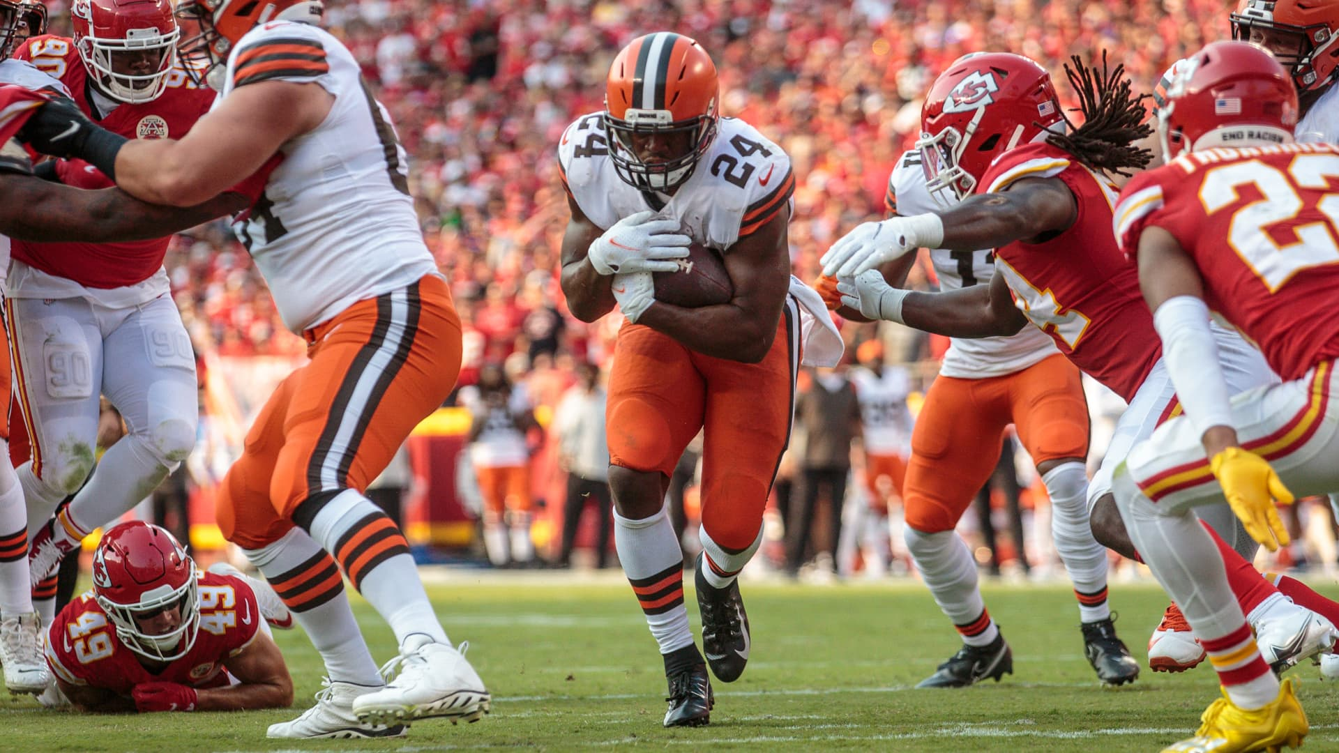 Cleveland Browns running back Nick Chubb (24) finds an opening in the line against the Kansas City Chiefs on September 12th at GEHA field at Arrowhead Stadium in Kansas City, Missouri.