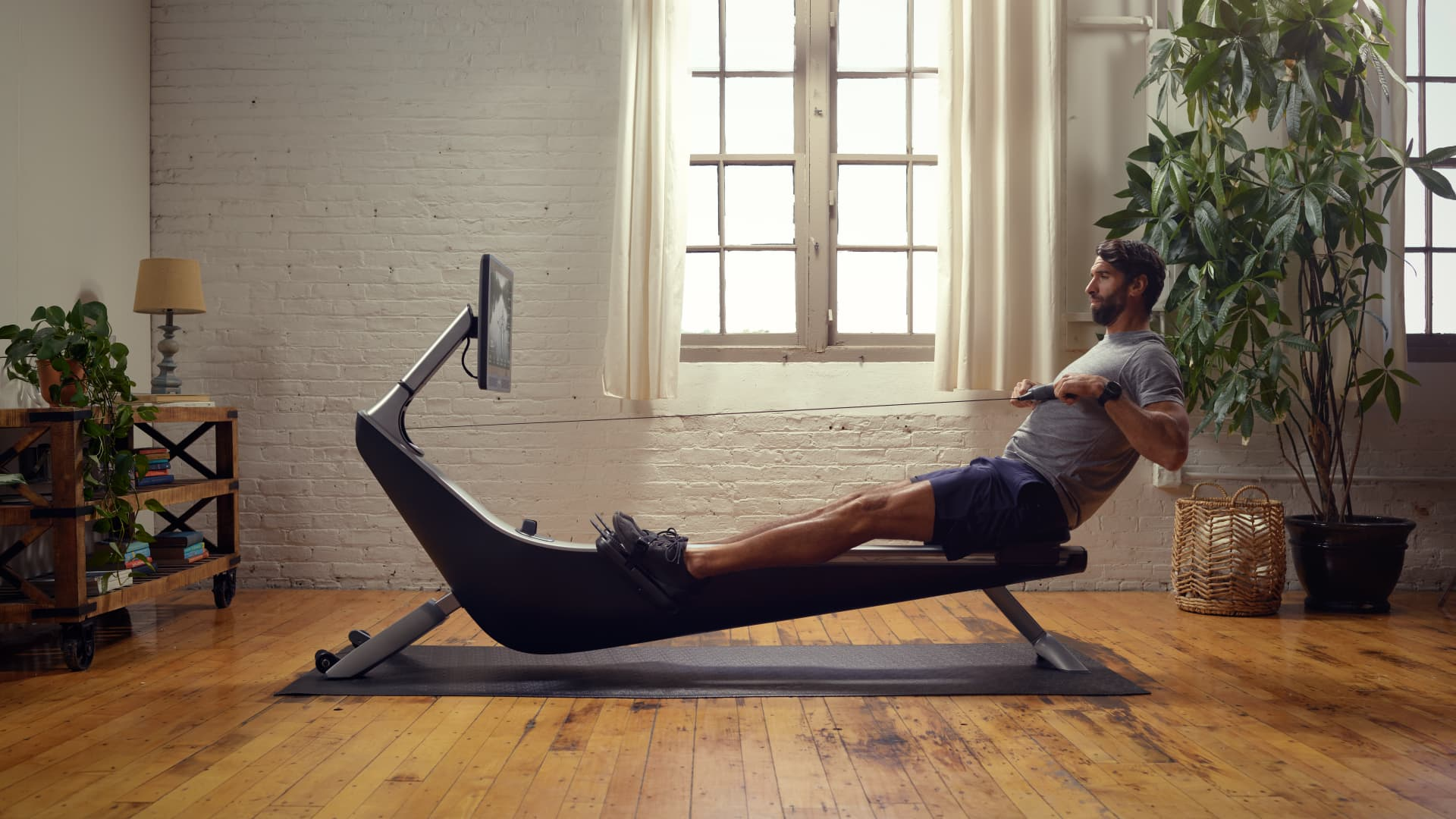 Hydrow, the maker of a $2,295 rowing machine, said it has secured nearly $200 million in financing.