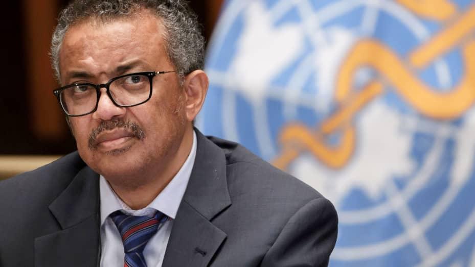 Tổng Giám đốc Tổ chức Y tế Thế giới (WHO) Tedros Adhanom Ghebreyesus tham dự cuộc họp báo do Hiệp hội Phóng viên Liên hợp quốc tại Geneva (ACANU) tổ chức trong bối cảnh đợt bùng phát COVID-19 do virus coronavirus mới gây ra, tại trụ sở của WHO