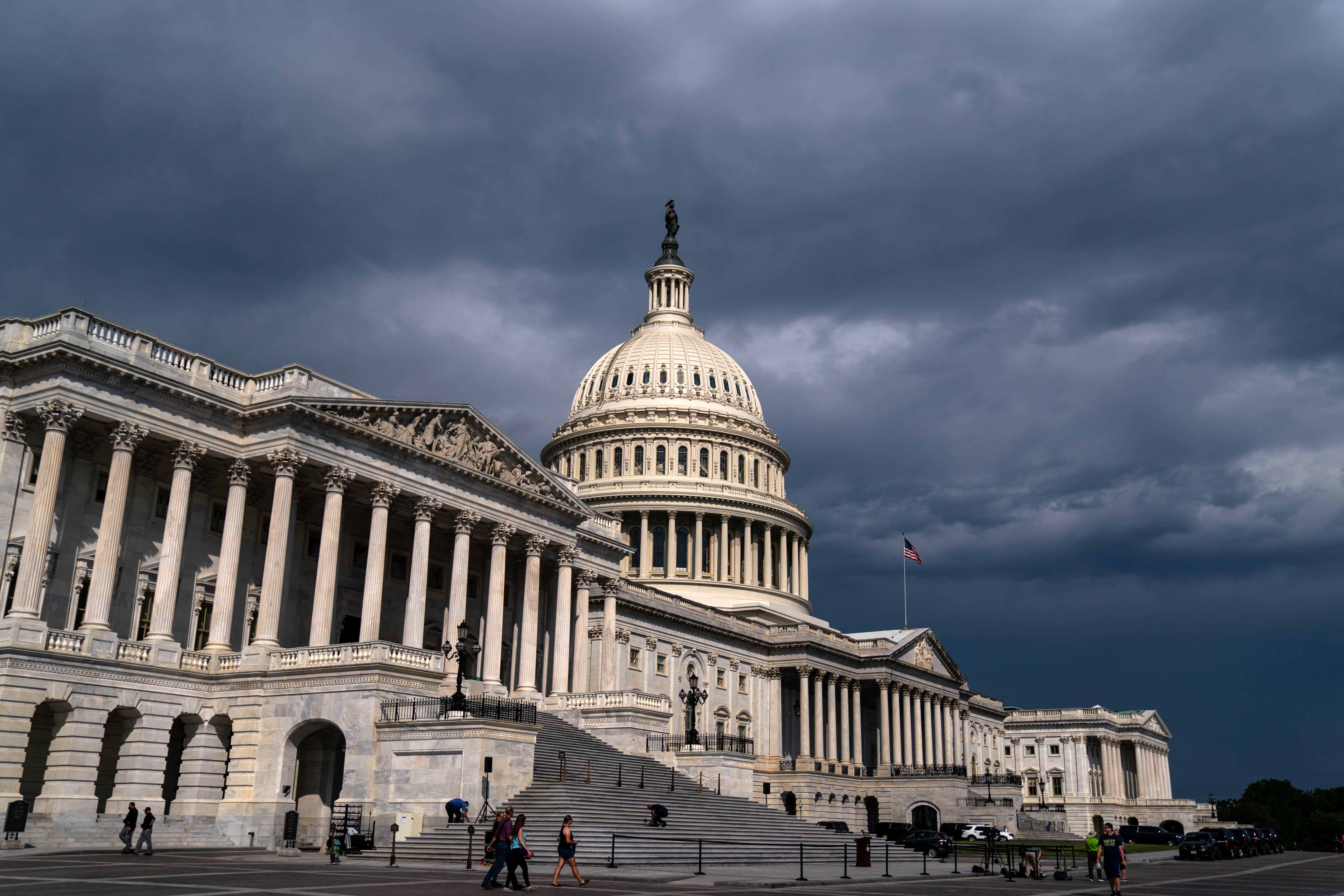 Senate may vote Wednesday on bill to avoid a government shutdown as due date methods thumbnail