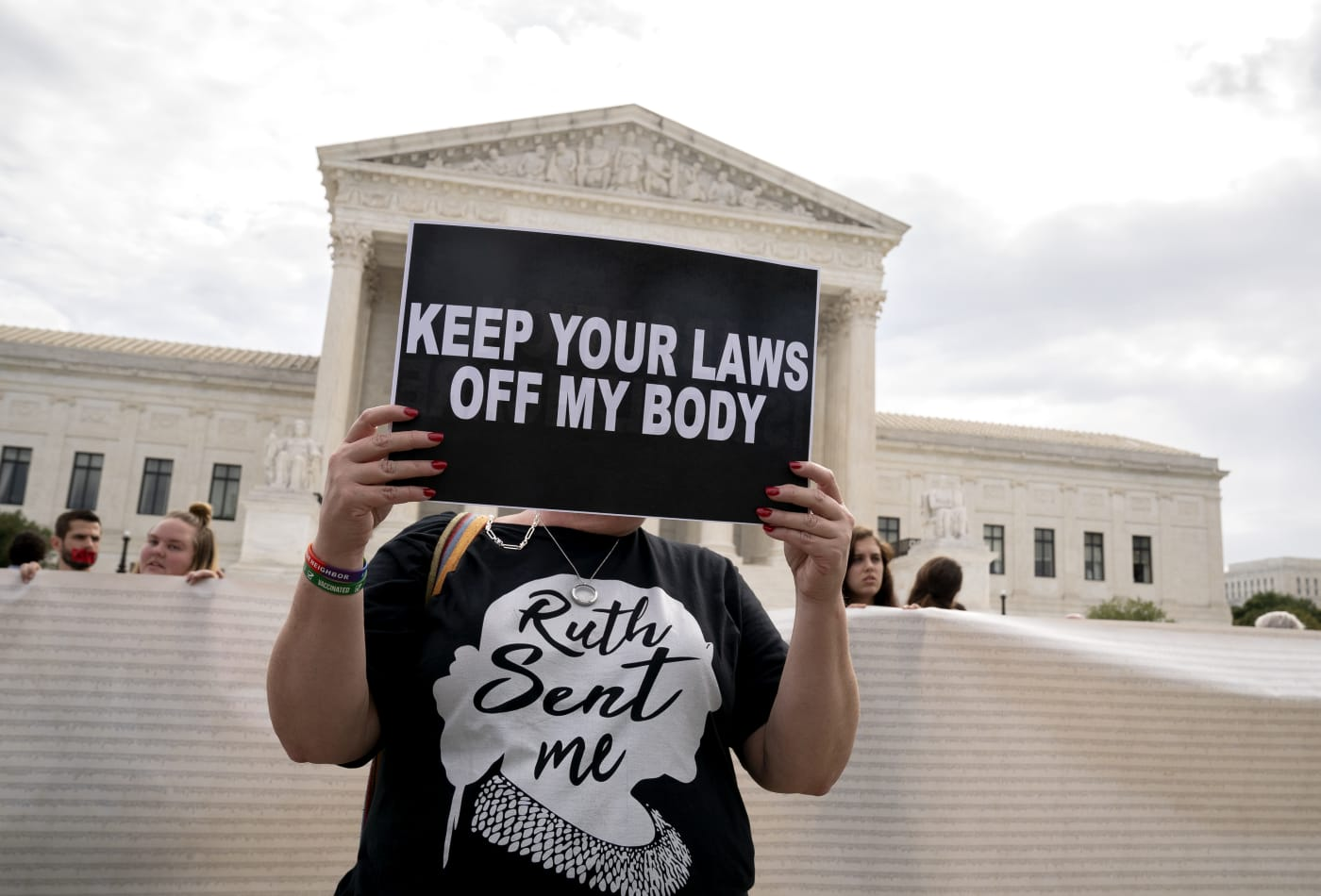 Supreme Court told it should reconsider Roe v. Wade if it takes up Texas abortion law challenge