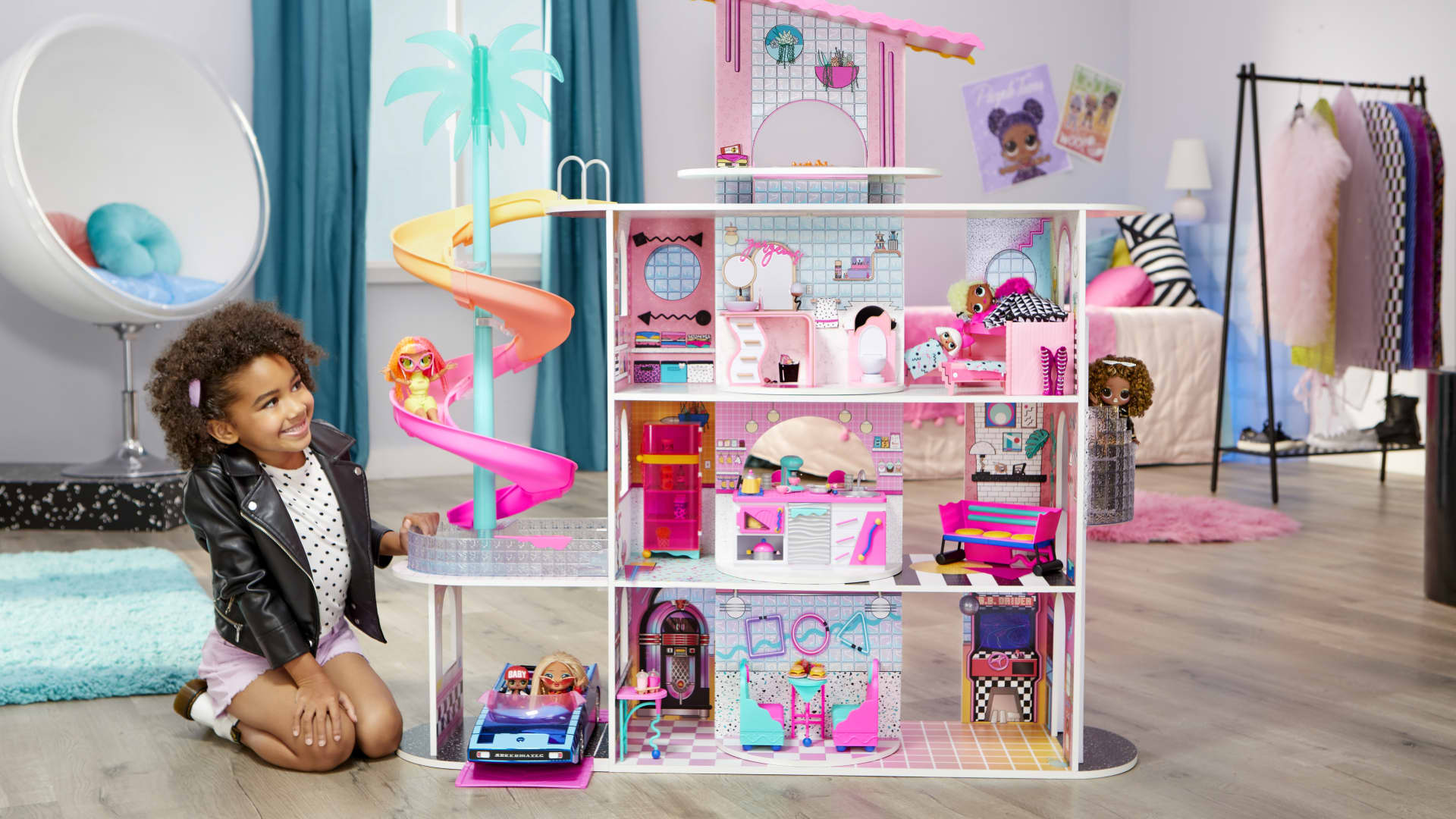 MGA Entertainment's LOL Surprise OMG House of Surprises playset.