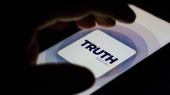 cnbc.com - Yun Li - Trump SPAC Digital World Acquisition drops 10% after huge gains on social media merger news