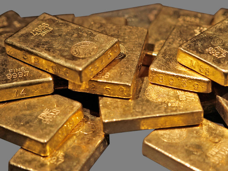 Gold slides 2% as solid US jobs data trims Fed rate cut bets