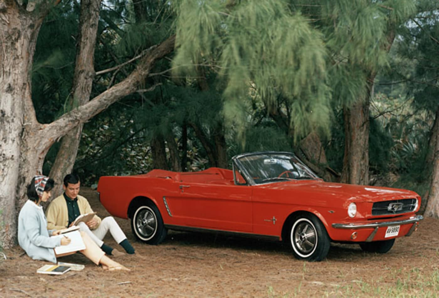iacocca_cars_mustang_1964.jpg