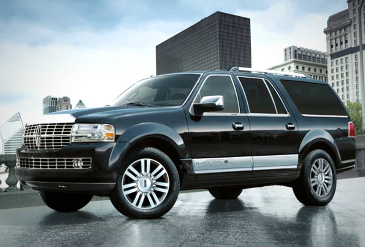 SS_Biggest_Gas_Guzzlers_Lincoln_Navigator.jpg