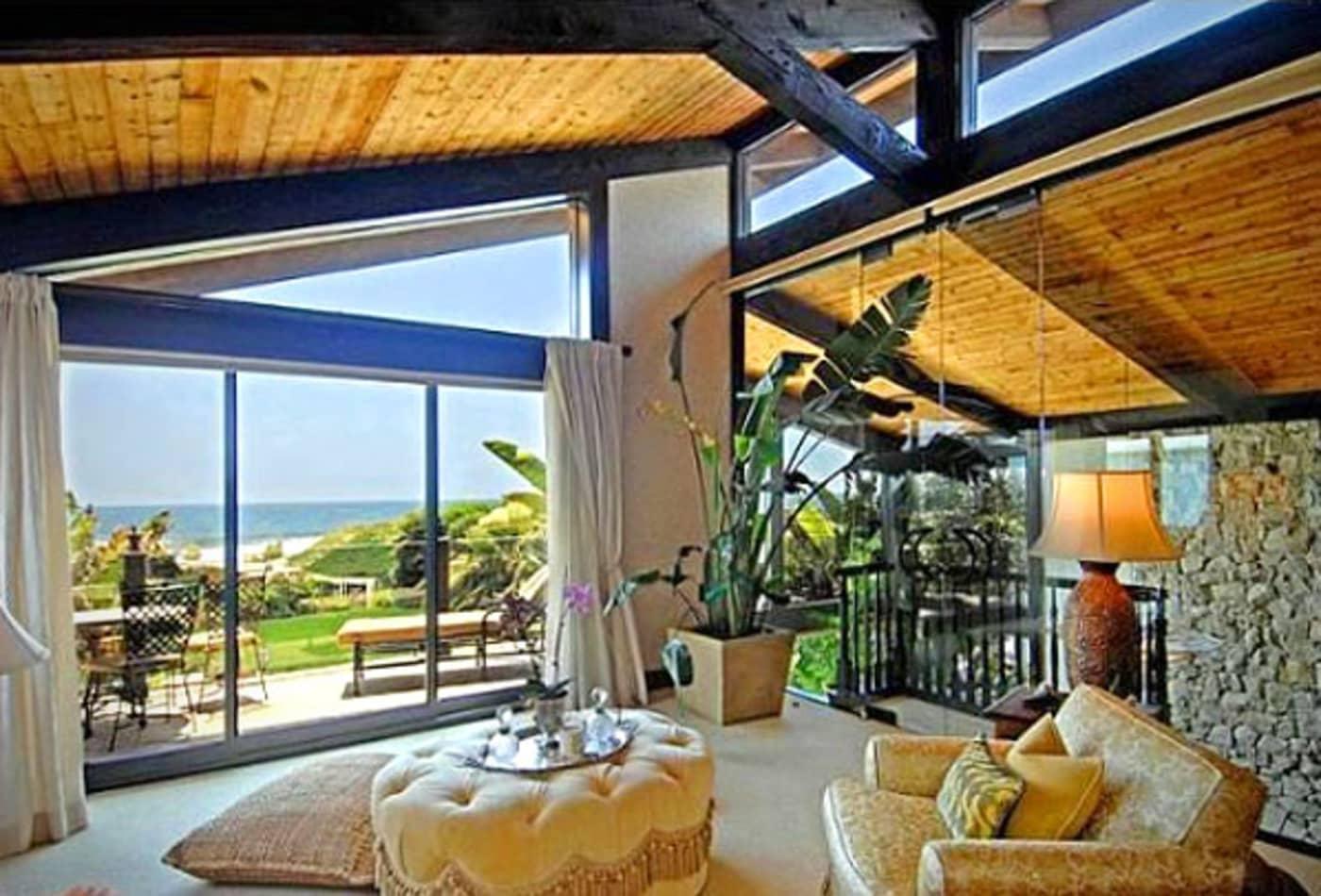 SS_Celebrity_Escape_Homes_Goldie_Hawn.jpg