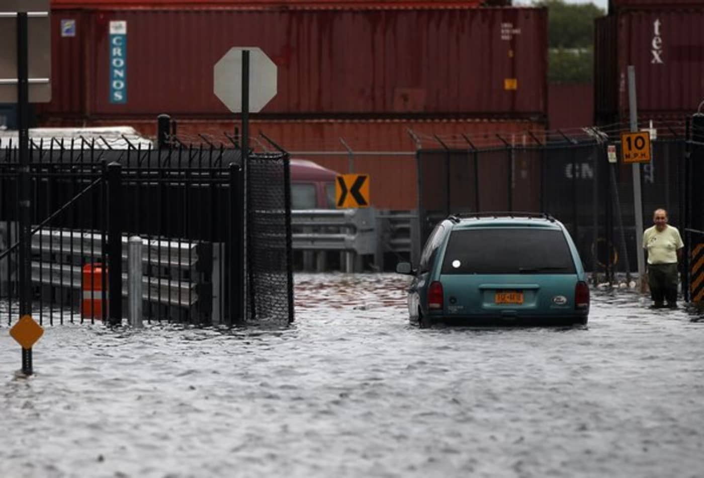 Irene_AUG28_NY5_redhook_flood.jpg