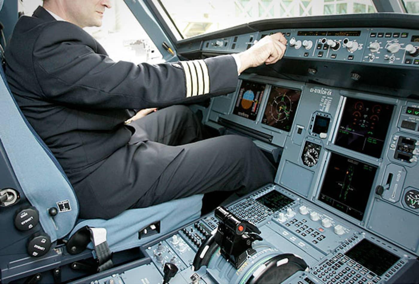 44344761 SS_Deadliest_jobs_pilot.jpg
