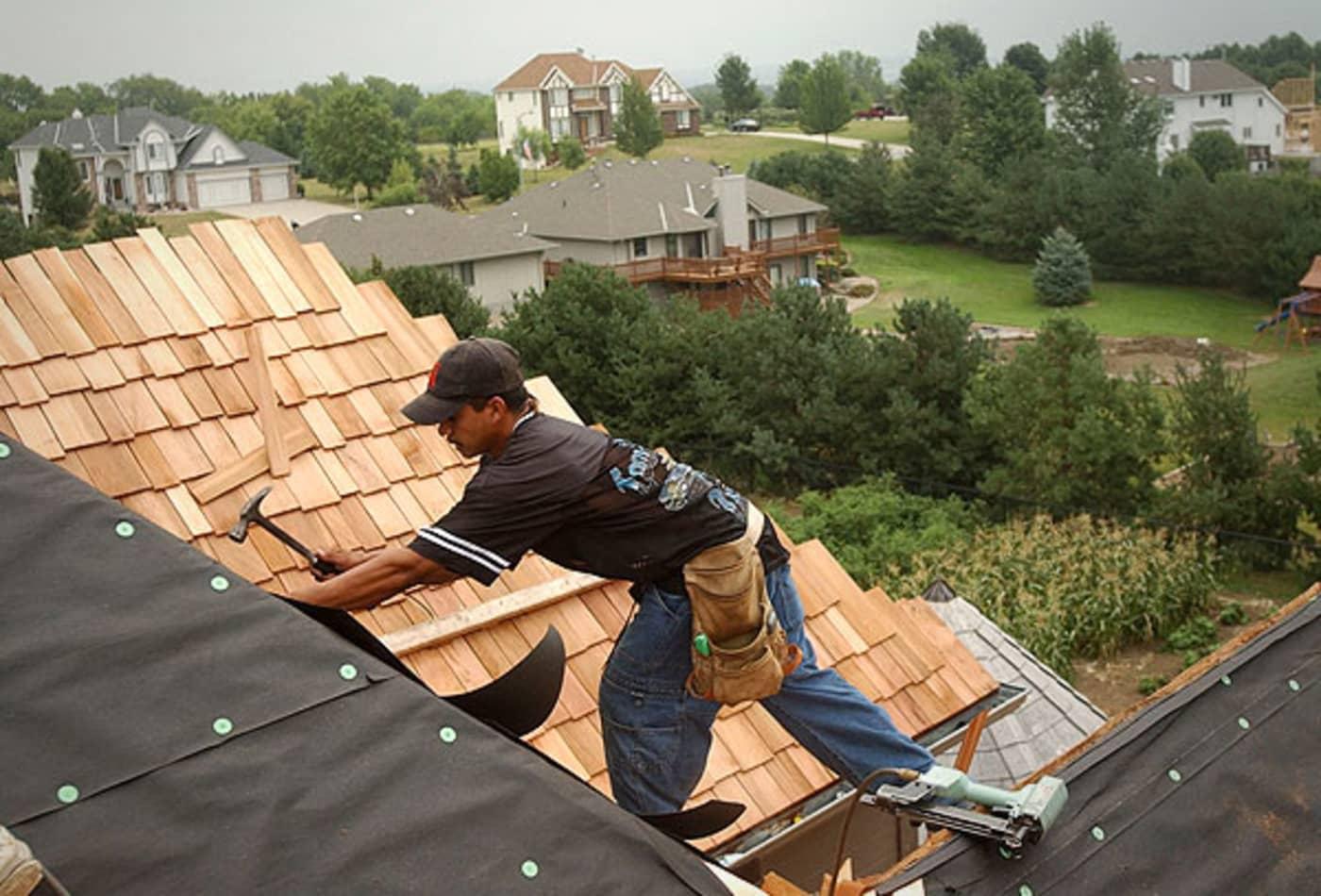 44344788 SS_Deadliest_jobs_roof.jpg