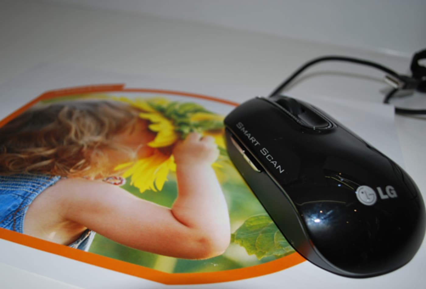 44390845 lg_smartscan_mouse_600.jpg
