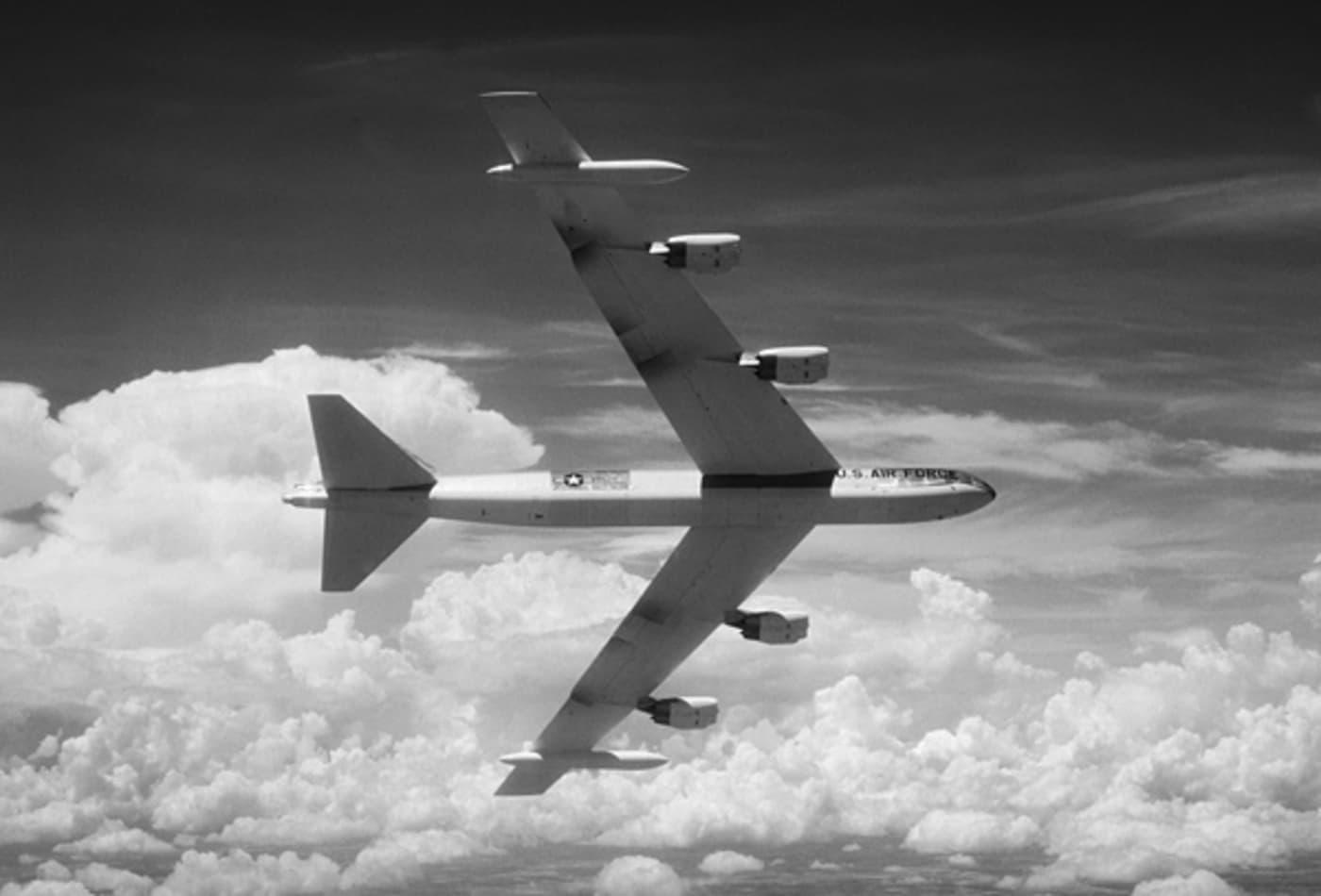 Boeing_Warplanes_B-52.jpg