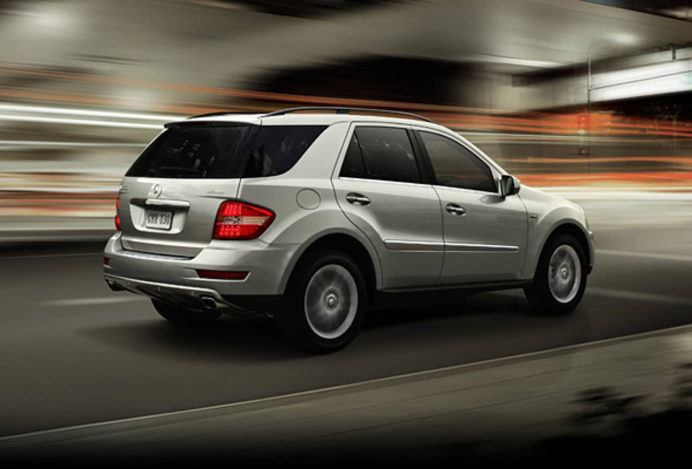 Mercedes-Benz-ML450-Hybrid-Luxury-Hybrids.jpg