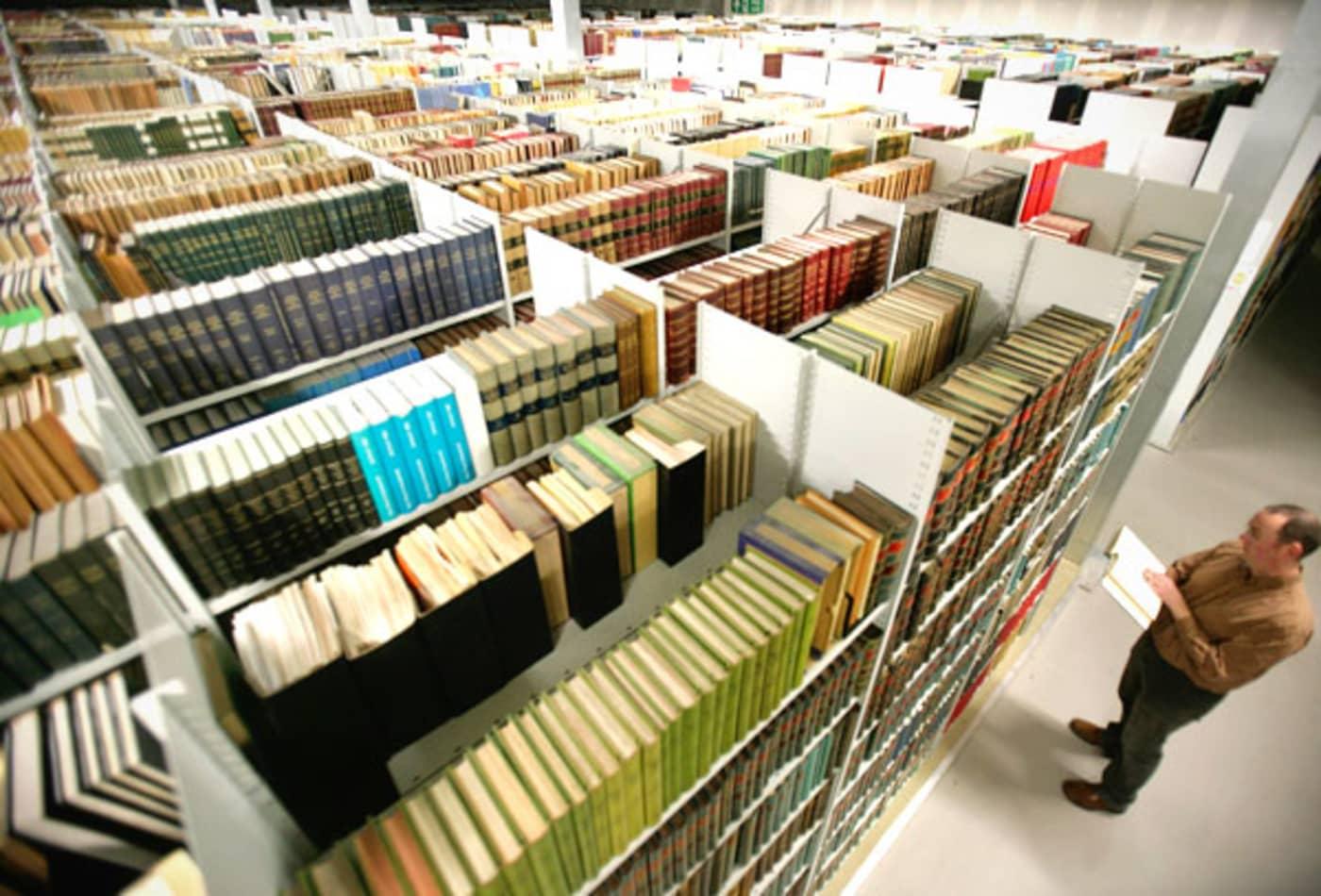 Librarian-Easy-High-Paying-Jobs-CNBC.jpg