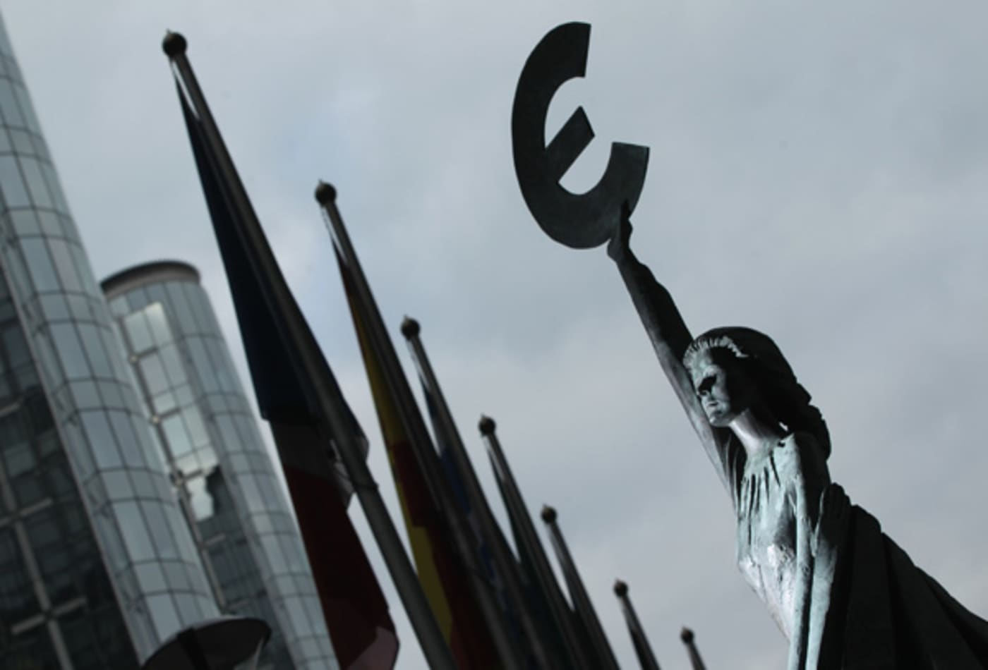 CNBC_Major_Events_Eurozone_Statue.jpg