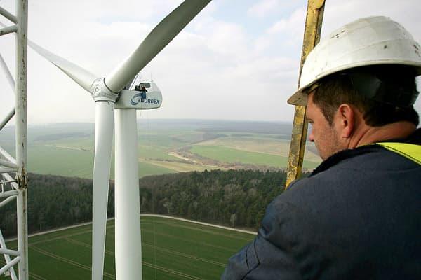 Wind-Turbine-Technician--21st-Century-Jobs-CNBC.jpg