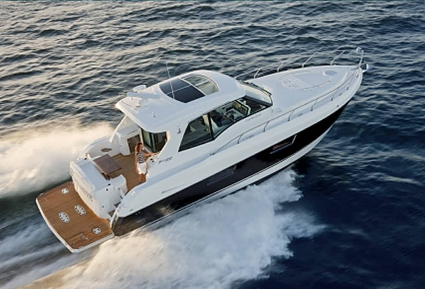 Scenes-from-2012-boat-show-cruisers.jpg