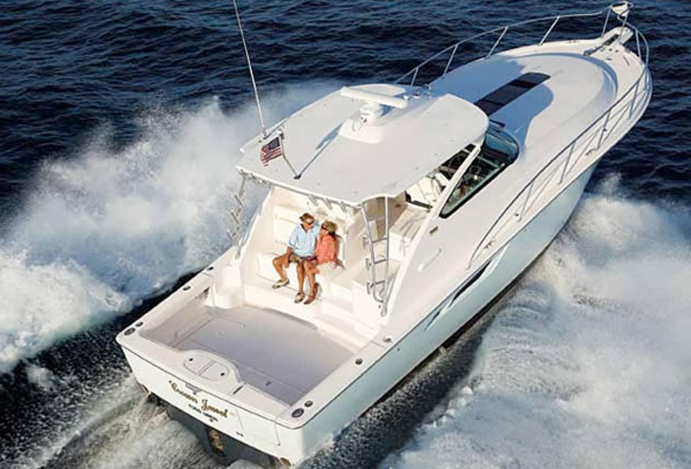 Scenes-from-2012-boat-show-tiara4300.jpg