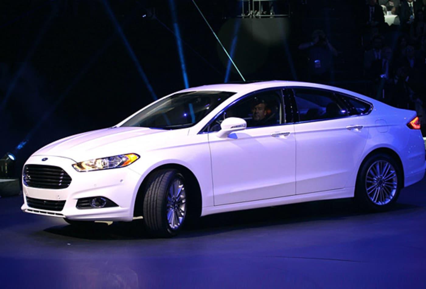 2013-ford-fusion.jpg