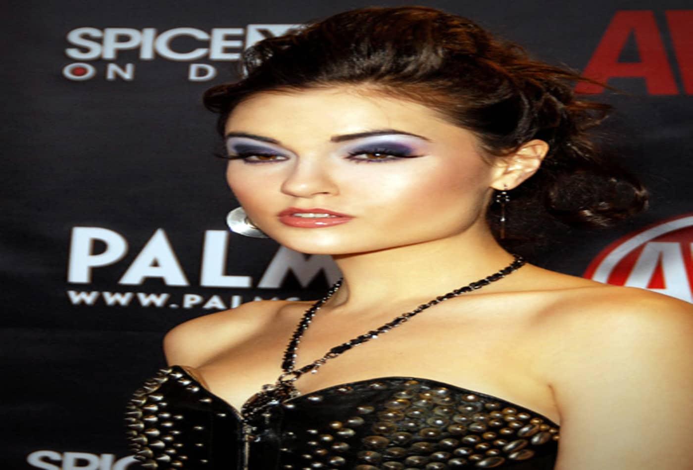 10 Porn Stars Who Went Mainstream