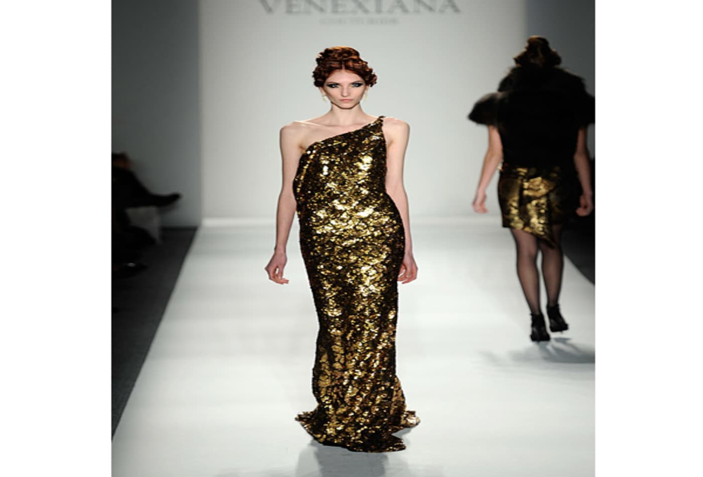 fall-fashion-week-2012-venexiana.jpg