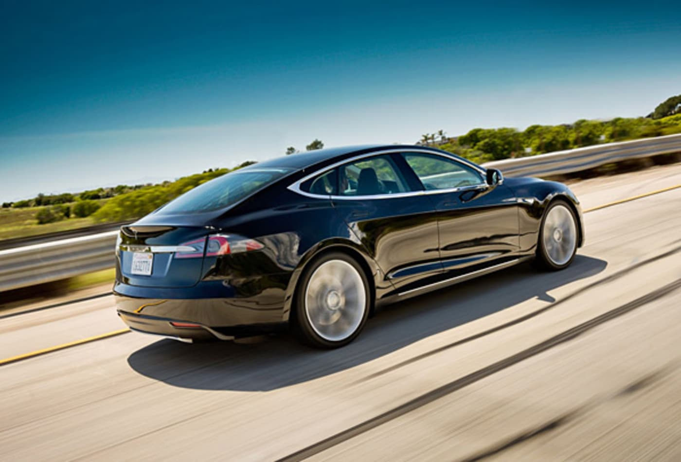 Tesla-S-Luxurious-Electric-Cars.jpg