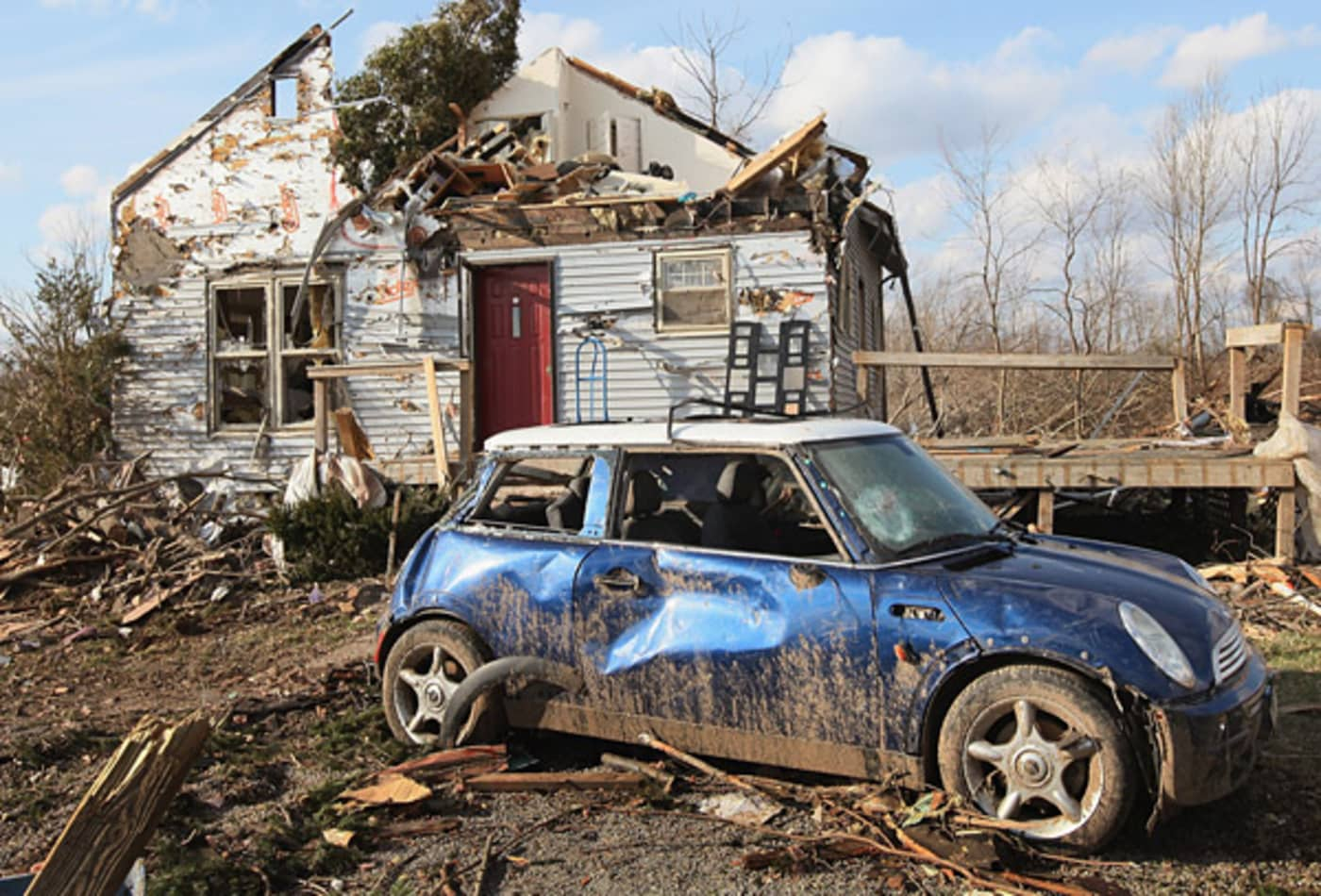 scenes-from-the-midwest-tornadoes-minicooper.jpg