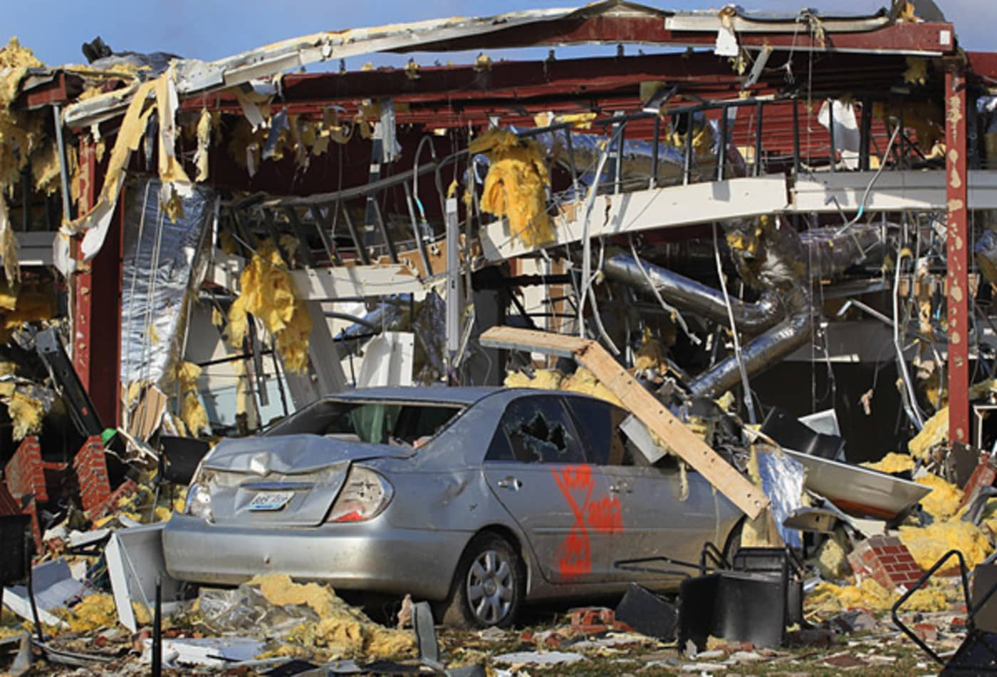 scenes-from-the-midwest-tornadoes-nissan.jpg