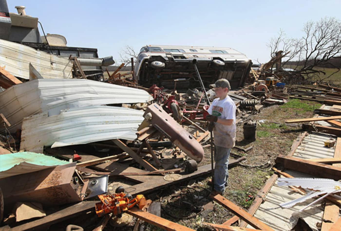 scenes-from-the-midwest-tornadoes-young-boy.jpg