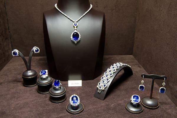 Sapphire-Jewelry set.jpg