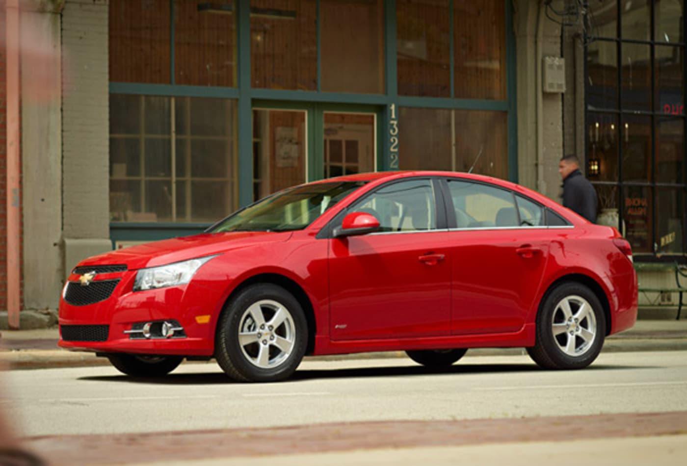 Chevrolet-Cruze-Best-Cars-Commuting-CNBC.jpg