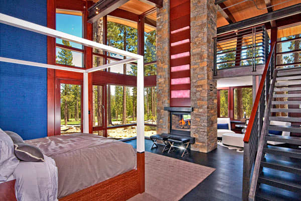 Bedroom-Silicon-Valley-Mountain-Retreat-Lake-Tahoe-California-CNBC.jpg