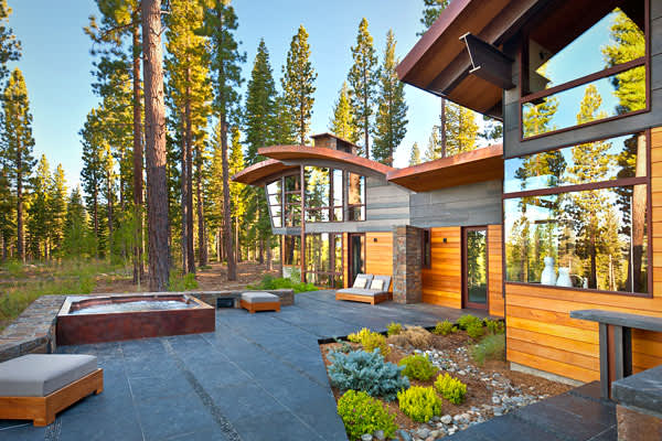 Back-Yard-Silicon-Valley-Mountain-Retreat-Lake-Tahoe-California-CNBC.jpg