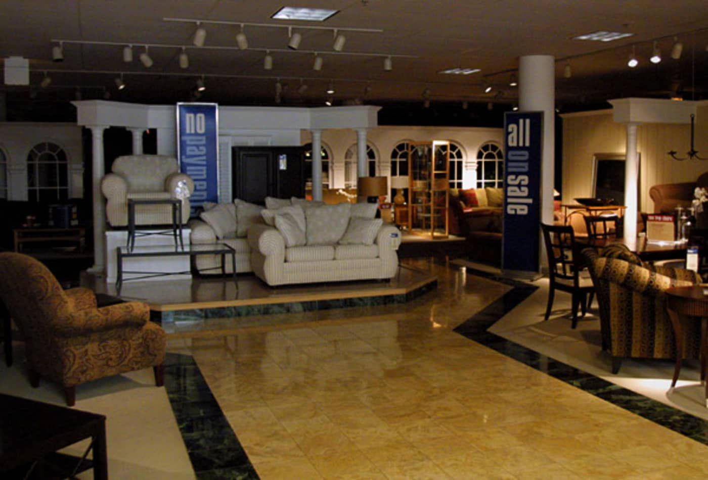 Furniture-Stores-Industries-Hit-Hardest-Recession-CNBC.jpg