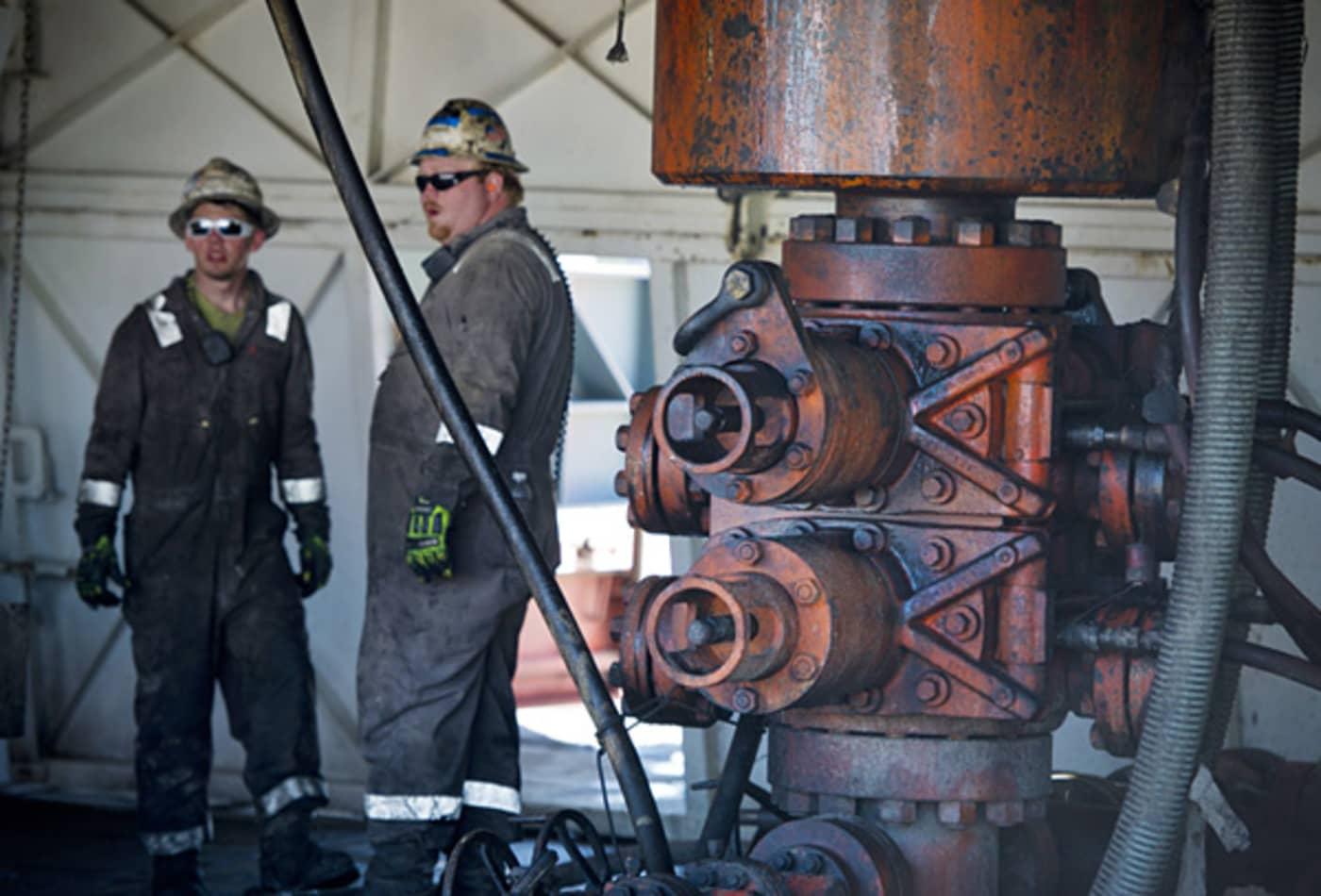 Nat-gas-fracking-drilling-process.jpg