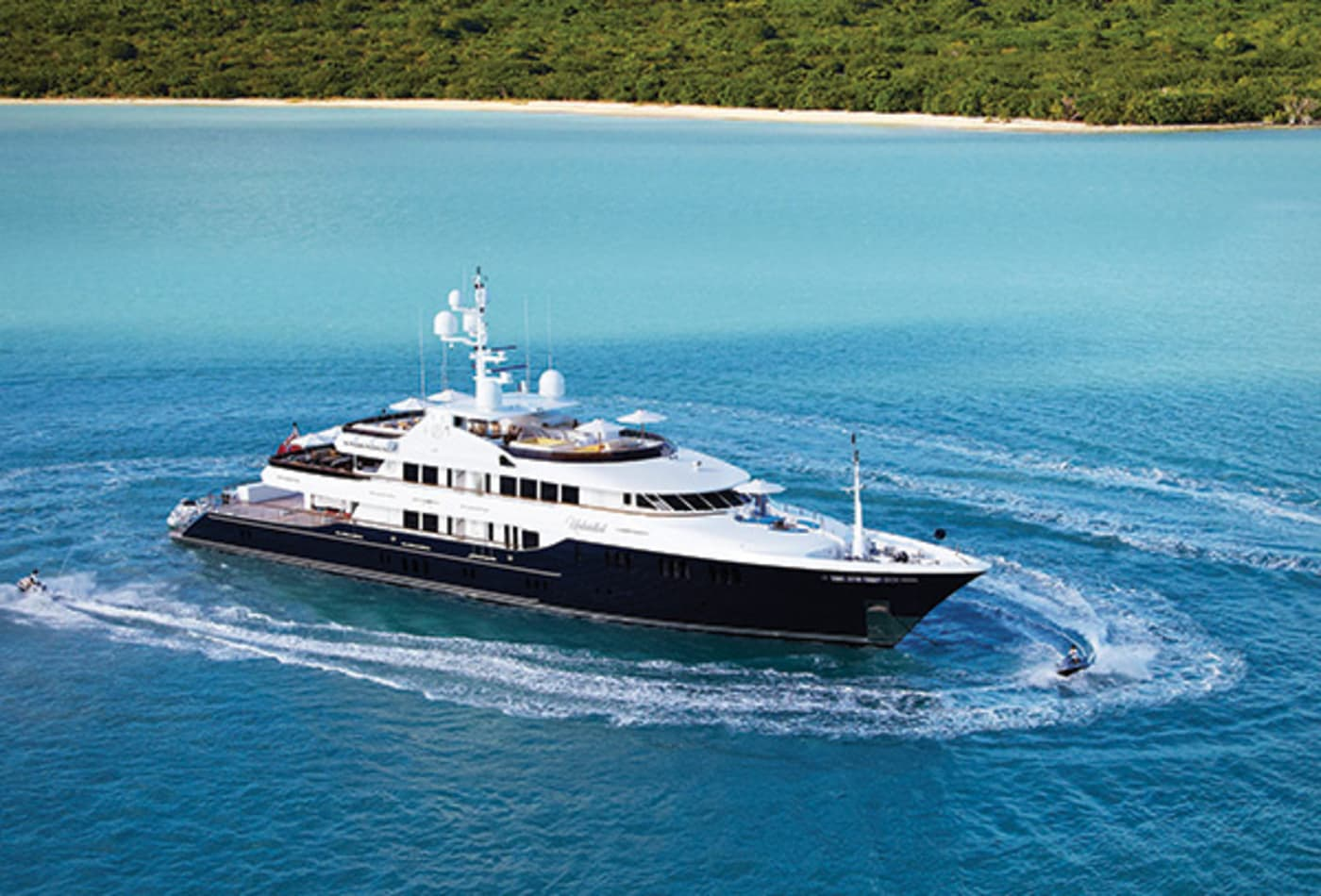 Yachts-at-a-discount-unbridled-exterior.jpg