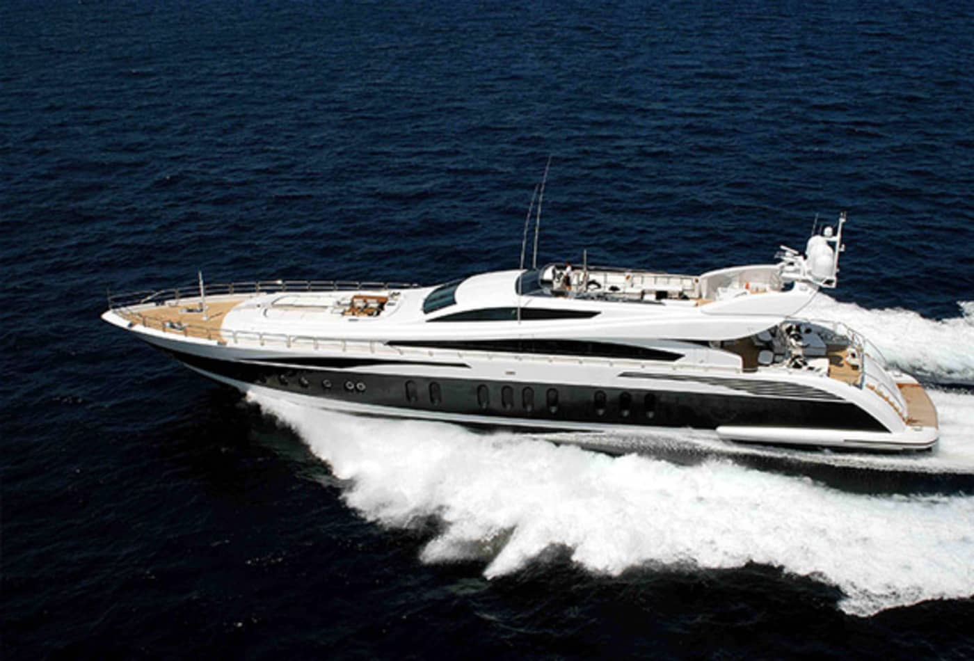 Yachts-at-a-discount-pure-exterior.jpg