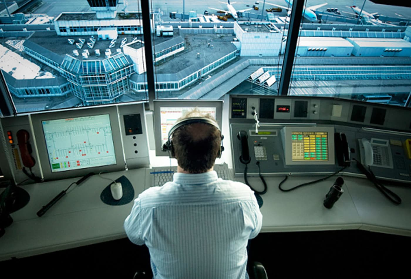 CNBC-americas-highest-paying-jobs-air-traffic-controller.jpg