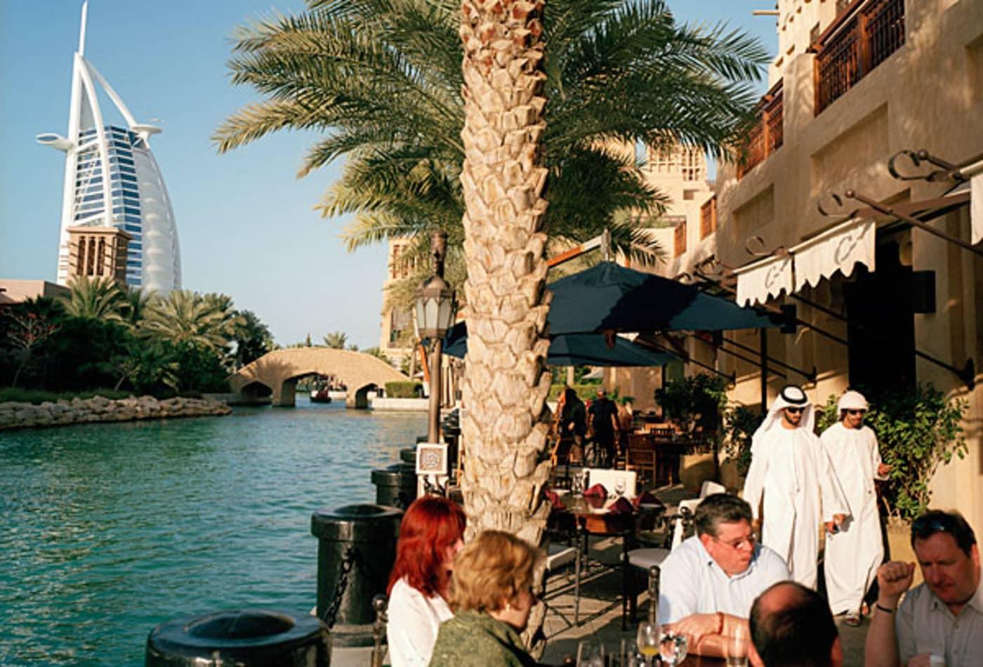 48054047 UAE.jpg