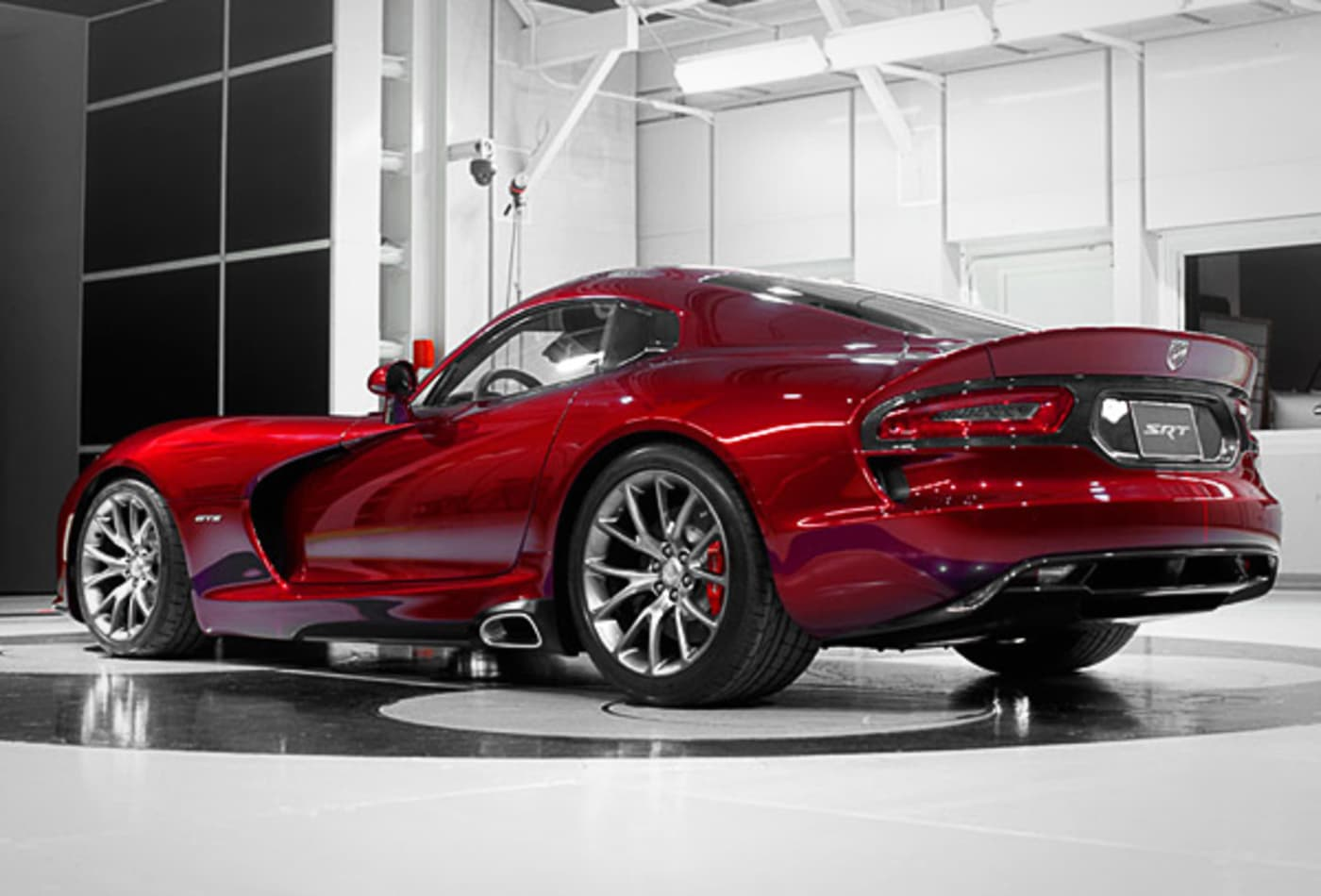 SRT-Viper-10-Fastest-Cars-2013-CNBC.jpg