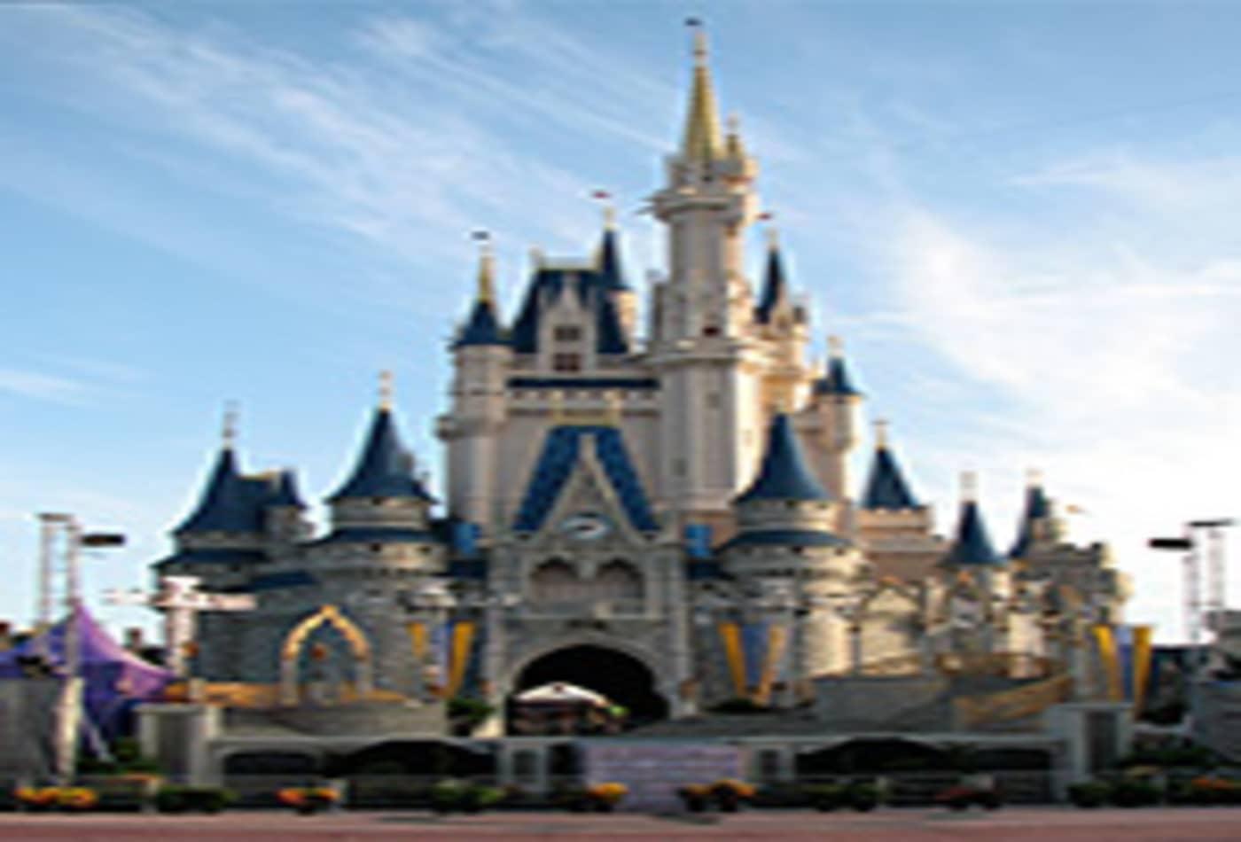 48400280 Walt-Disney-Cinderella_Castle-vert-200.jpg
