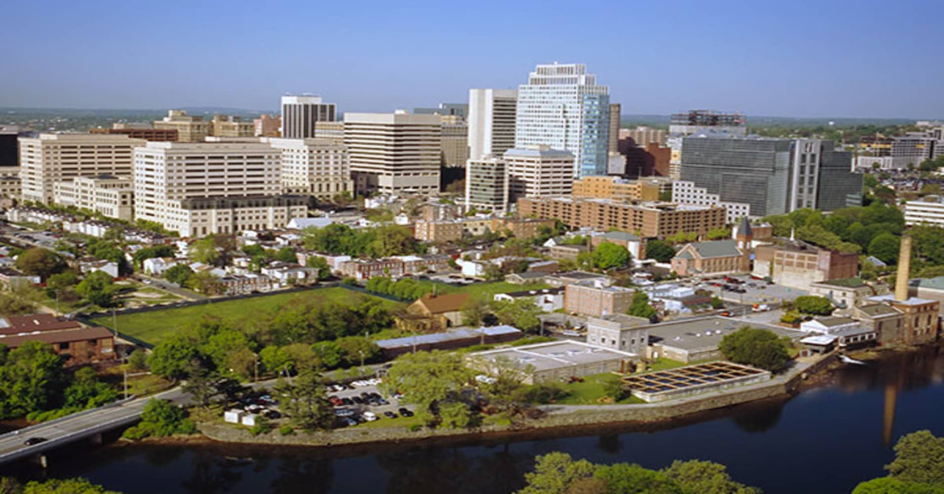 On April 13, Delaware Gov. Jack Markell and Delaware Economic Development Office Director Alan Levin announced an infusion of  into their state. The jobs came courtesy of an expansion plan by JPMorgan Chase, which already had thousands of jobs in Wilmington, the state's largest city.