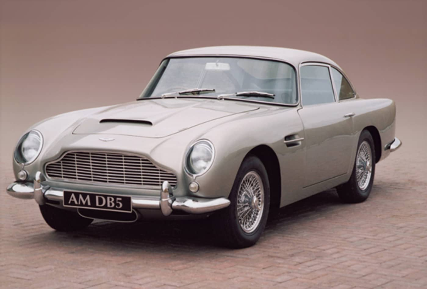 Aston-Martin-DB5-Top-10-Best-Looking-Cars-All-Time-CNBC.jpg