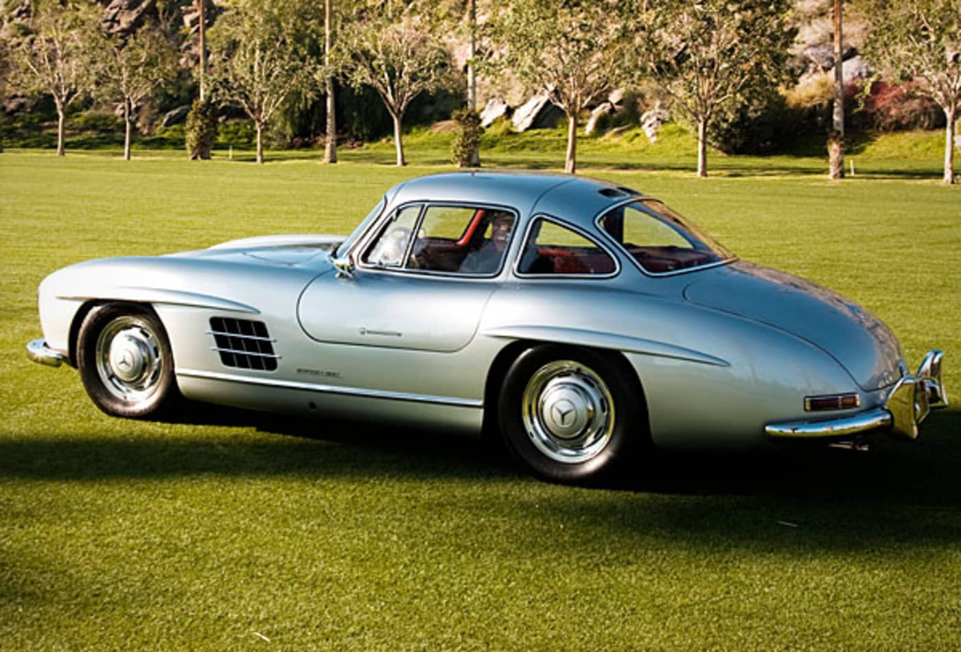 48705397 Mercedes-Benz-300SL-Top-10-Best-Looking-Cars-All-Time-CNBC.jpg