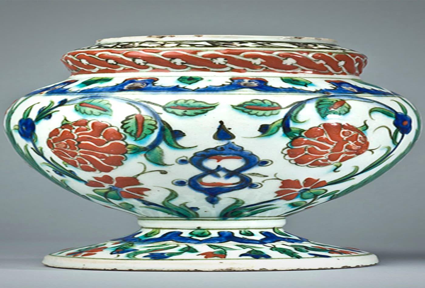 48743542 Investing-in-turkish-treaures-flower-vase.jpg