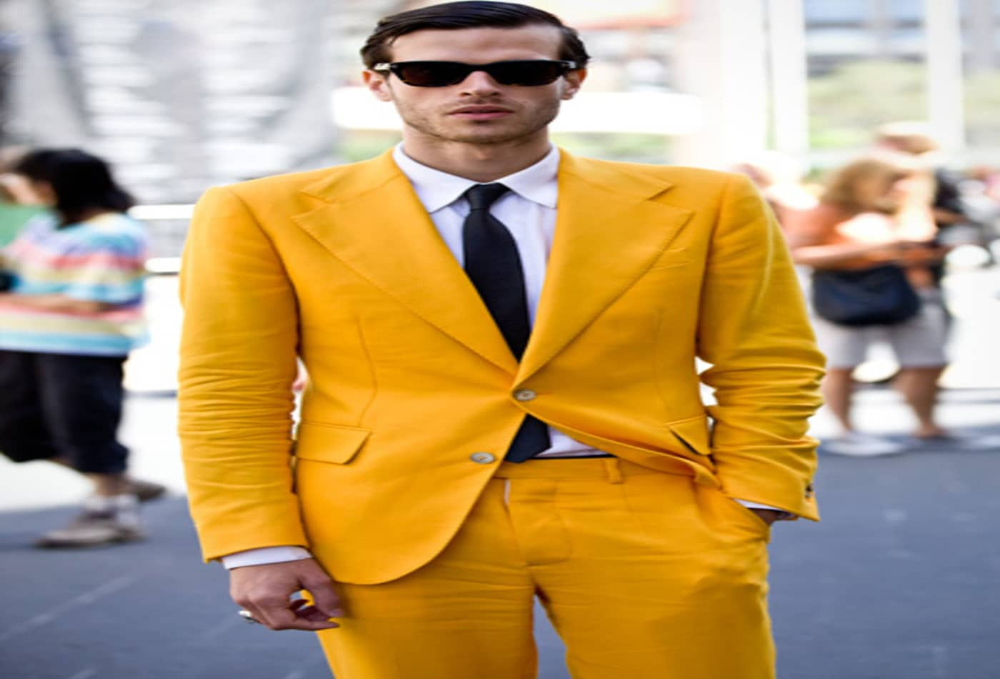 Mercedes-Benz-Fashion-week-2012-man-yellow-suit.jpg
